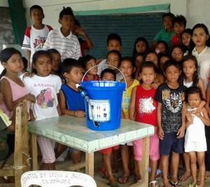 kopernik-water-filter-kids